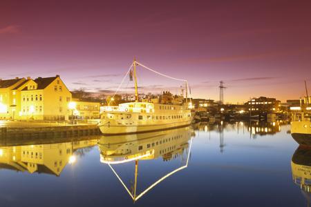 Germany,Hamburg,Hamburg-Harburg,Channel Hamburg,Harburg habour LANG_EVOIMAGES