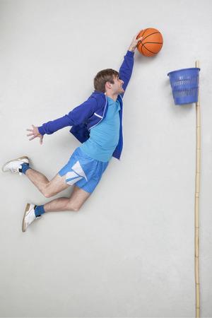 Man playing basket ball