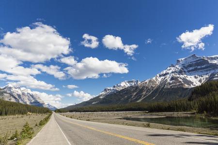 Canada, Alberta, Jasper National Park, Banff National Park, Icefields Parkway LANG_EVOIMAGES