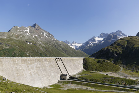 Austria, Vorarlberg, Retaining wall of Silvretta dam LANG_EVOIMAGES