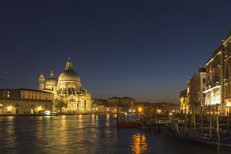 Italy, Venice, Church Santa Maria della Salute at Canale Grande at night LANG_EVOIMAGES