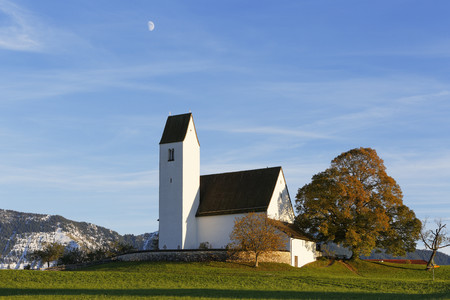 Germany, Bavaria, Chiemgau, St Peters Church in Steinkirchen LANG_EVOIMAGES
