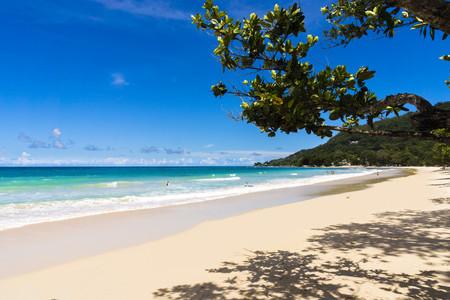Seychelles, Mahe, Beach Beau Vallon LANG_EVOIMAGES