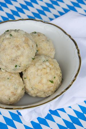 Bavarian cuisine, Bread dumplings in a bowl LANG_EVOIMAGES
