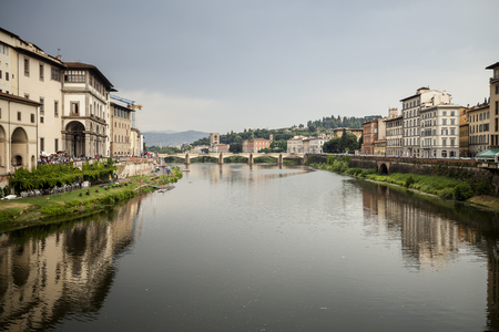 Italy, Tuscany, Florence, View To Arno River With Ponte Vecchio LANG_EVOIMAGES