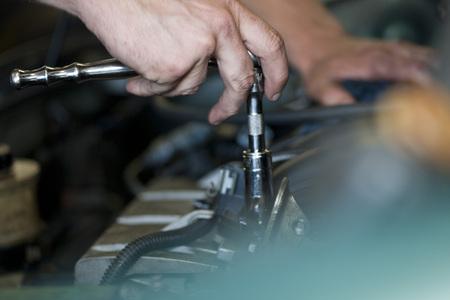 Mechanics hands LANG_EVOIMAGES