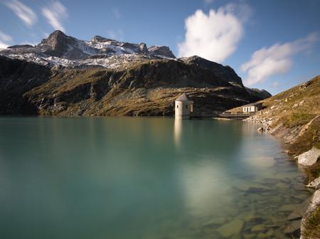 Austria, Salzburg State, Pinzgau, Weisssee mountain lake