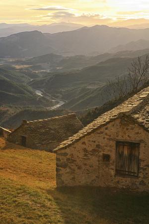 Spain, Ordesa National Park, Tella, mountainscape LANG_EVOIMAGES