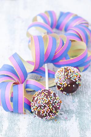 Streamer and cake pops