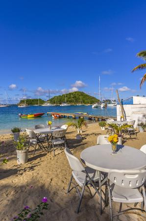 Caribbean, Antilles, Lesser Antilles, Grenadines, Mayreau, Twassante Bay, seaside cafe at beach