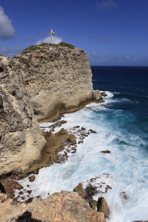 Caribbean, Guadeloupe, Grande-Terre, Cross at Pointe des Colibre LANG_EVOIMAGES