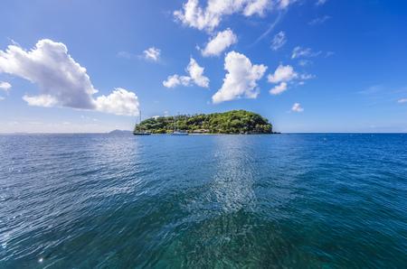 Caribbean, Grenadines, St. Vincent, near Arnos Vale LANG_EVOIMAGES