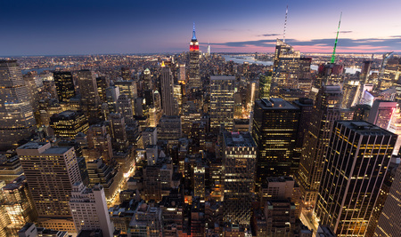 USA, New York City in the evening LANG_EVOIMAGES