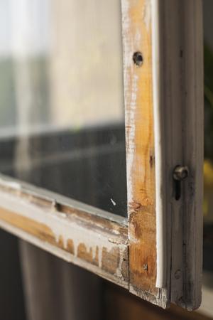 Old window frame LANG_EVOIMAGES