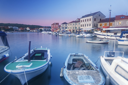 Croatia, Hvar Island, Starigrad, Boats anchoring in the evening LANG_EVOIMAGES