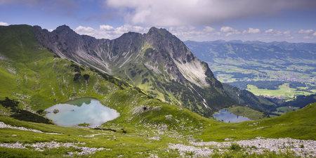Germany, Bavaria, Allgaeu, Allgaeu Alps, Upper and Lower Gaisalp lake, Gaisalphorn and Rubihorn