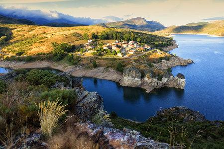 Spain, village Alba de los Cardanos and Camporedondo Reservoir LANG_EVOIMAGES