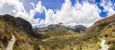 Peru, Andes, Cordillera Blanca, Huascaran National Park, Nevado Yanapaccha and small lagoon