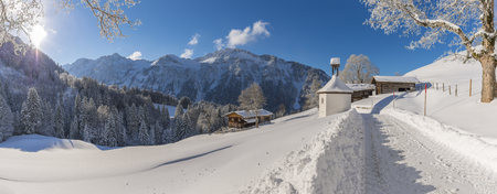 Germany, Bavaria, Allgaeu, Allgaeu Alps, Gerstruben in winter LANG_EVOIMAGES