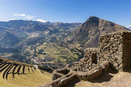 Peru, Andes, Valle Sagrado, Inca ruins of Pisac, terraces of Andenes, Citadel Qallaqasa LANG_EVOIMAGES