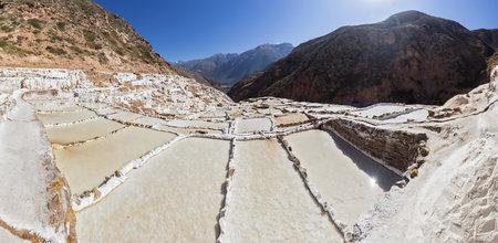 Peru, Andes, Maras, salt ponds LANG_EVOIMAGES