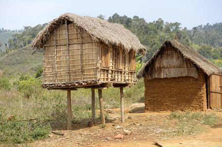 Madagaskar, Ambatomainty, granary on stilts for animal protection