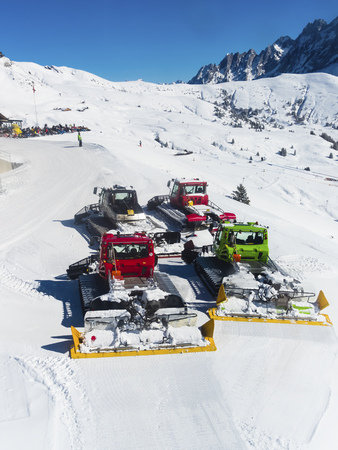 Switzerland, Canton of Bern, Grindelwald, snowcats LANG_EVOIMAGES