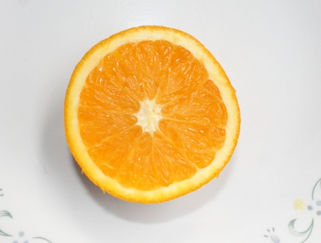 Malta, Citrus sinensis, a popular fruit grown in Foothills of NW Himalayas with globose orange fruit with orange-yellow pulp, sweet and delicious   Stock Photo - 22706062