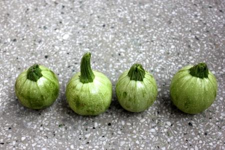 globose: Summer squash, summer squash round, Cucurbita pepo, similar to pattypan squash but more globose in shape and scalloped edges without Chapan Kadu in India