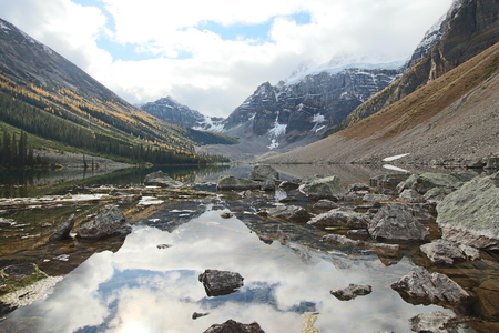 Consolation Lake, Alberta, Canada 스톡 콘텐츠
