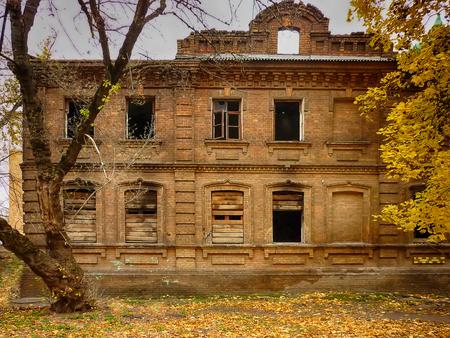 old brick destroyed house burnt not residential Reklamní fotografie