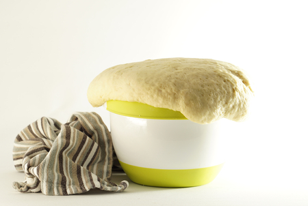 yeast dough homemade in bowl Banque d'images