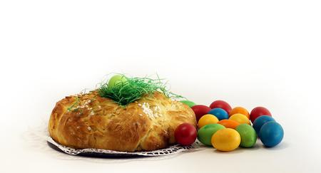 easter eggs with yeast pastries bread plait 版權商用圖片
