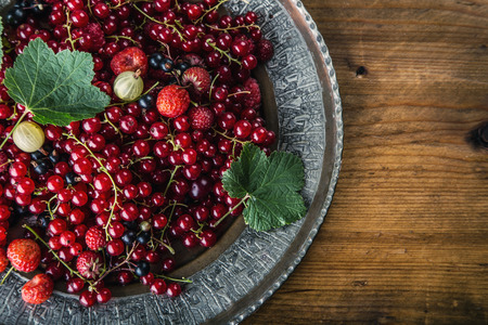 harvest organic:  Plate with Assorted summer berries