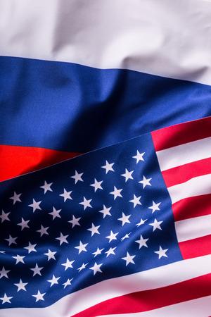 bandera rusia: EE.UU. y Rusia. bandera de EE.UU. y la bandera de Rusia. Foto de archivo