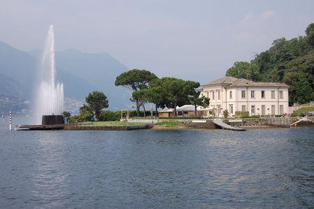 イタリアのコモ湖 - ホーム & amp、噴水