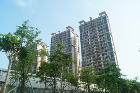 low income housing: Shenzhen Baoan Ping Chau village more than 7 sets of low-income housing completed 8 years have been idle, uninhabited. In Guangdong, China