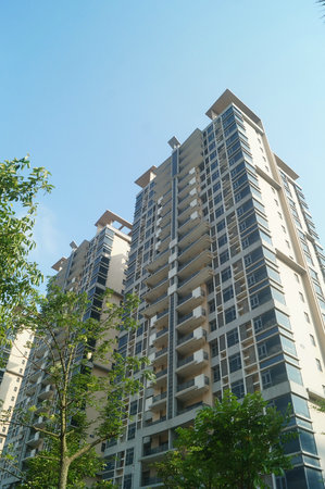 idle: Shenzhen Baoan Ping Chau village more than 7 sets of low-income housing completed 8 years have been idle, uninhabited. In Guangdong, China