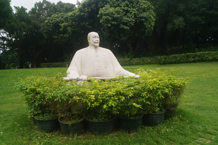 generals: Statue of Guan Tianpei, the Chinese patriotic general