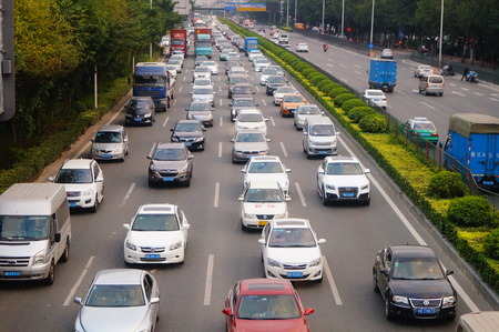 highway traffic: China National Highway 107 Shenzhen section traffic congestion