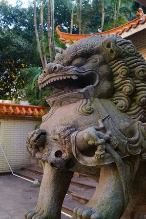 shenzhen: Stone lions at the gate of the park. In Shenzhen, china.