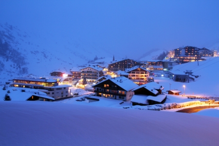 Winter holiday in the Alps Stock Photo - 22541318