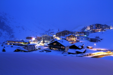 Winter holiday in the Alps Stock Photo - 22541319