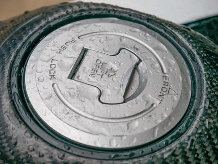tanque de combustible: la motocicleta del tanque de combustible despu�s de la lluvia Foto de archivo