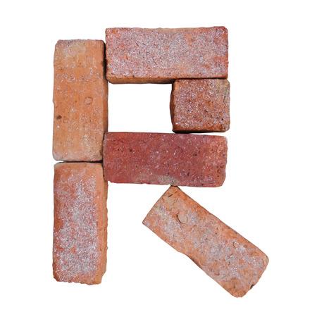 rood baksteen alfabet lettertype op witte achtergrond geïsoleerd met uitknippad Stockfoto