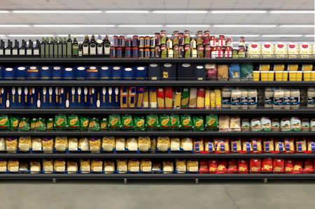 Pasta Packaging in a supermarket on a shelf. Suitable for presenting new product plans and new packaging among many others. Imagens