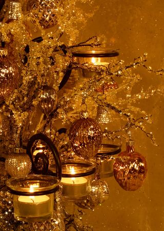 candle holder: vintage ornaments in votive tree with sparkle effect
