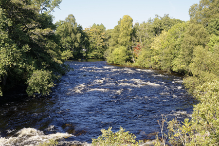 River Tummel viewed from Trummel Bridge, Strath Tummel, Perth & Kinross, Scotland 免版税图像