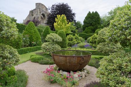 Fontanna, Abbey House Gardens, Malmesbury, Wiltshire