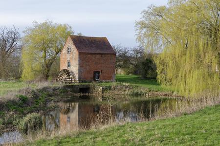 Hartpury Mill, Highleadon, Gloucestershire, UK Gelistete Ziegelstein-Wassermühle